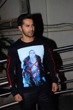 Varun Dhawan at Dilwale screening in PVR Juhu and PVR Andheri on 17th Dec 2015 (23)_5673a2175f9f4.JPG