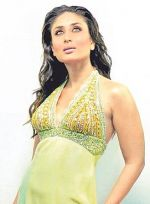 kareena-still02.jpg