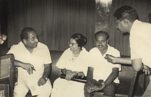 Mohd Rafi with Hari Prasad Chaurasia and others