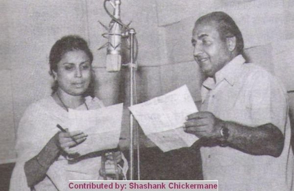 Mohd Rafi and Suman Kalyanpur during the recording of song for film Bombay Lab in 1973. Courtesy: Suman Sugand Book