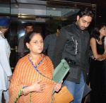 Abhishek Bachchan paints for Khushi at the Hlton Hotel - Jaya Bachchan, Abhishek Bachchan - 28.jpg
