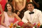 Katrina Kaif, Akshay Kumar in Welcome (1).jpg