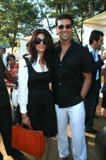Twinkle Khanna, Akshay Kumar at HDIL Indian Oaks Racing (1).jpg