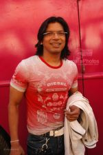 Shaan at Race music launch on the sets of Amul Star Voice Chotte Ustaad in Film City on Feb 4th 2008 (82).jpg