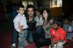 Aamir Ali and Sanjeeda spend their valentine with orphan kids of Muskan orphanage on Feb 13th 2008 (4).jpg