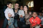 Aamir Ali and Sanjeeda spend their valentine with orphan kids of Muskan orphanage on Feb 13th 2008 (6).jpg