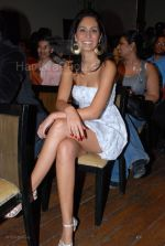 at India_s first live Bolywood flick launch by Channel V at Joss, kalaghoda on Feb 21st 2008 (21).jpg