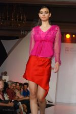at Wendell Rodrigues Fashion Show for Mercedes Trophy 2007 at ITC Grand Central Sheraton on 24th feb 2008(39).jpg