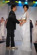 at Wendell Rodrigues Fashion Show for Mercedes Trophy 2007 at ITC Grand Central Sheraton on 24th feb 2008(66).jpg