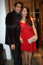 Vineet Dingra at the opneing of Chamomile by Kanchan and Vineet Dhingra at Khar on Feb 26 th 2008 (2).jpg