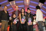 Anamika Chaudhary, Rohanpreet Singh, Tanmay Chaturvedi, Suresh Wadkar, Sonu Nigam at the finals of Lil Champs on 1st March 2008 (4).jpg