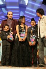 Anamika Chaudhary, Rohanpreet Singh, Tanmay Chaturvedi, Suresh Wadkar, Sonu Nigam at the finals of Lil Champs on 1st March 2008 (72).jpg