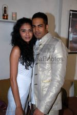 Kavita Kahriyat with Upen Patel at the launch of Ice model management with a brunch in association with Peroni in Olive on 2nd march 2008(131).jpg