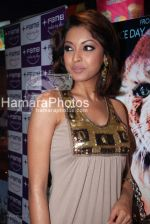 Tanushree Dutta at 10,000 BC premiere in Fame, Andheri on March 5th 2008(44).jpg