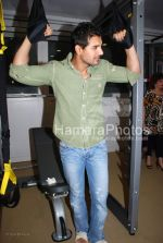 John Abraham at the launch of WATSON FITNESS in Khar Danda on March 13th 2008(14).jpg