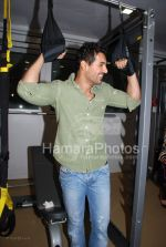 John Abraham at the launch of WATSON FITNESS in Khar Danda on March 13th 2008(38).jpg