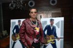 Zubeen Garg at Bryan Adams 11 album launch in Pause, Hill Road, Bandra on March 26th 2008(8).jpg