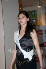 Femina Miss India contestants promote Liberty footwear in Inorbit Mall on March 27th 2008(24).jpg