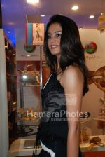 Femina Miss India contestants promote Liberty footwear in Inorbit Mall on March 27th 2008(7).jpg