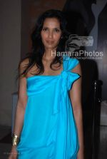 Padma Lakshmi at Manish Malhotra Show in LIFW on 29th 2008(7).jpg