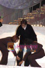 Aishwarya Majumdar, Amitabh Bachchan, Anwesga at Chhote Ustad finals.jpg