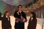 Aishwarya Majumdar, Anwesha, Amitabh Bachchan at Chhote Ustad finals.jpg