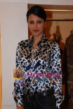 Reshma Bombaywala at Designer Asmita Marwa_s Lakme Fashion Week preview in Aza, Kemps Corner on March 20th 2008 (2).jpg