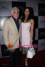 Tred Frtostman with Padma Lakshmi at IMG BASH in Taj President on April 7th 2008 (95).jpg