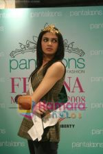 Femina Miss India finalists visit Pantaloon store in  Megamall on April 8th 2008 (31).jpg
