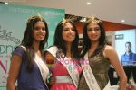 Femina Miss India finalists visit Pantaloon store in  Megamall on April 8th 2008 (40).jpg