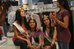Femina Miss India finalists visit Pantaloon store in  Megamall on April 8th 2008 (45).jpg