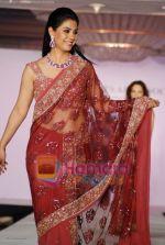 Bhavana Jasra walks on the ramp for Hobby Ideas Shaina NC show in Leela Hotel on April 13th 2008 (58).jpg