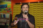 Najam Sheraz from Pakistan launches his album in Infinity on April 26th 2008 (2).JPG