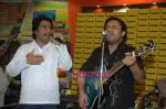 Najam Sheraz from Pakistan launches his album in Infinity on April 26th 2008 (6).JPG