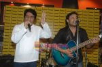 Najam Sheraz from Pakistan launches his album in Infinity on April 26th 2008 (7).JPG
