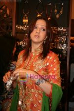 Ishita Arun at Amrapali store launch in Juhu on April 30th 2008(2).JPG