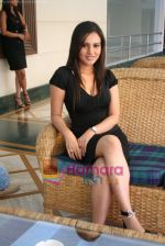 Dolly Minhas at Don Muthuswami press meet in Raheja  Classic on May 3rd 2008(3).JPG