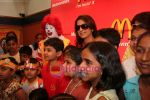 Juhi Chawla, Aman Siddiqui at Bhootnath star cast at Mcdonalds in  Lower Parel,Mumbai on May 6th 2008(6).JPG