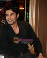 Rajeev Khandelwal at Vandana Sajnani and Rajesh Khattar_s wedding reception in BJN Hall on May 5th 2008(41).JPG