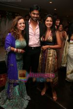 Vandana,Narayani Shastri and Gaurav Chopra at Vandana Sajnani and Rajesh Khattar_s wedding reception in BJN Hall on May 5th 2008(2).JPG
