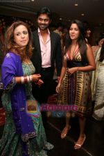 Vandana,Narayani Shastri and Gaurav Chopra at Vandana Sajnani and Rajesh Khattar_s wedding reception in BJN Hall on May 5th 2008(32).JPG