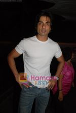 Sonu Sood at Shefali Shah_s bash in   Vie Lounge on May 7th 2008(70).JPG