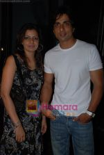 Sonu Sood with wife at Shefali Shah_s bash in   Vie Lounge on May 7th 2008(69).JPG