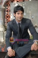 Rajeev Khandelwal at Promotional music video Mehfooz for film Aamir in  Flora Fountain on May 9th 2008(16).JPG