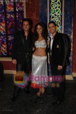 Fardeen Khan, Mahek Chahal, Kunal Khemu at Jai Veeru on location in Filmcity on May 10th 2008(15).jpg