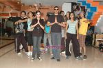 Divya Khosla and Sukhbir with the dancers rehearsing for the video in Abu Malik rehearsal hall at Four Bungalows, Andheri West on May 4th 2008.jpg