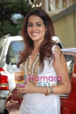Genelia Dsouza at the Music Launch of Jaane Tu Ya Jaane Na in Shammi Kapoor_s residence on May 20th 2008(12).JPG
