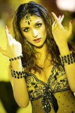 Aarti Chhabria in a still from the movie Dhoom Dhadaka (4).jpg