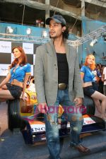 Kunal Khemu promotes Pepe Jeans at F1 event in Phoenix Mills on May 24th 2008 (10).JPG