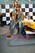 Kunal Khemu promotes Pepe Jeans at F1 event in Phoenix Mills on May 24th 2008 (13).JPG